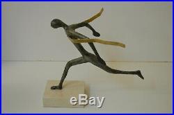 Bronze statue, Winning running athlete, Hand made new sculpture