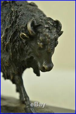 Hand Made American Artist Buffalo Bison Bronze Hot Cast Sculpture Statue Decor