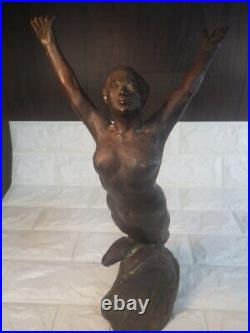 Sun Exhibition Counselor Hiroo Tateno Work Made Of Bronze Leap Nude Statue